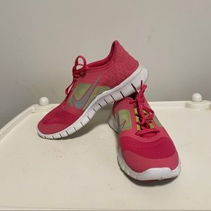 Nike Free Run athletic shoes. Size 7Y